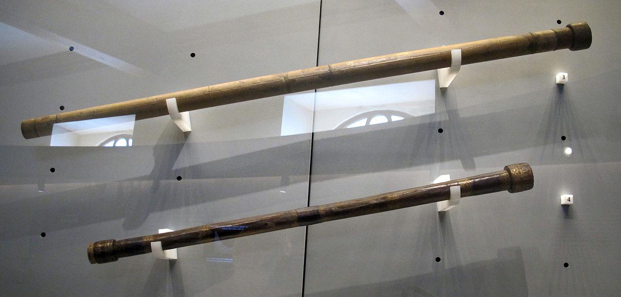 伽利略望远镜(收藏于佛罗伦萨伽利略博物馆)